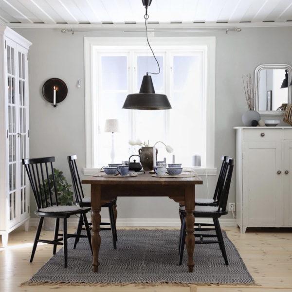 Elin lantbord - rustikt bord i teak